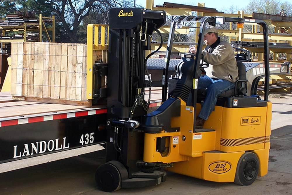 B30AC/B40AC Multipurpose Narrow Aisle Articulating Electric Forklift