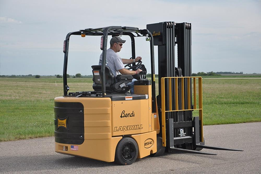 B55AC Multi-Purpose Articulating Electric Forklift
