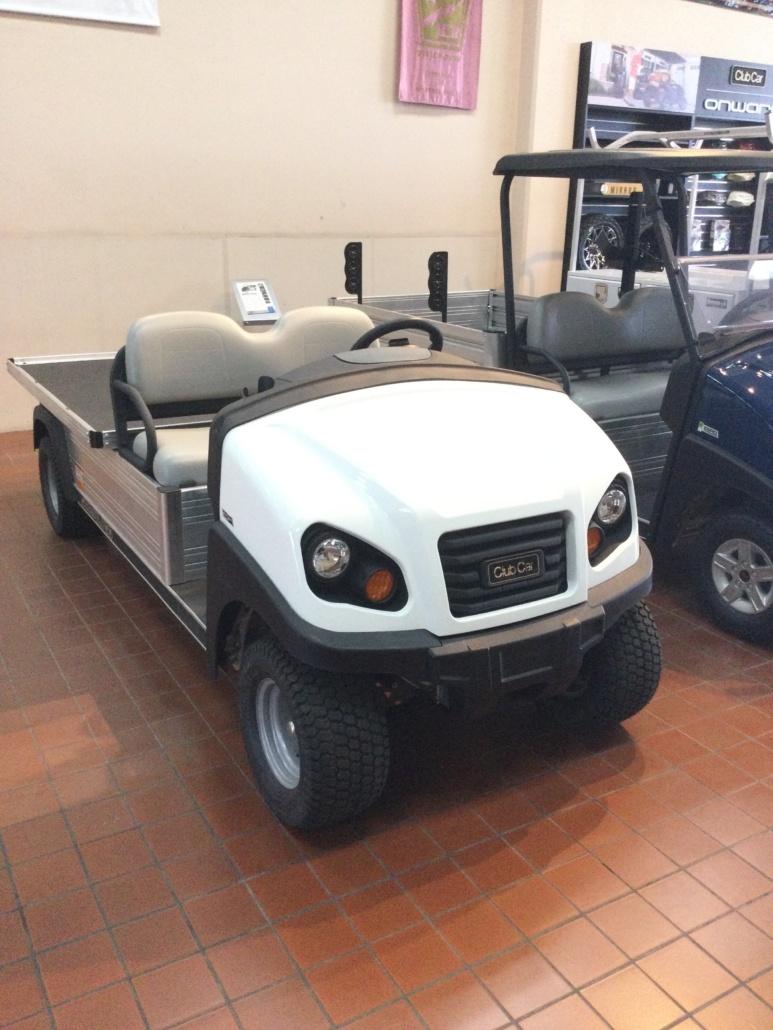 (OXN) New Club Car Carryall 700 E (White)