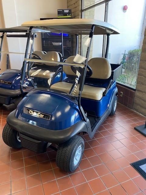 (OXN) 2015 Used Golf cart w/Cargo Box